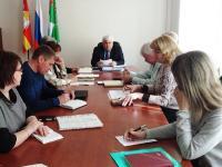 Глава района провел совещание по объектам строительства и капительных ремонтов на объектах и в учреждениях Ашинского района
